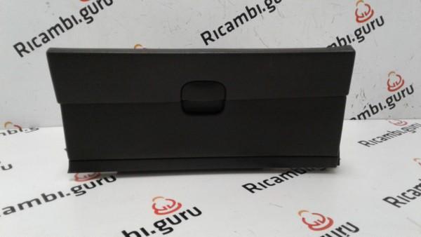 Cassetto portaoggetti Nissan qashqai+2