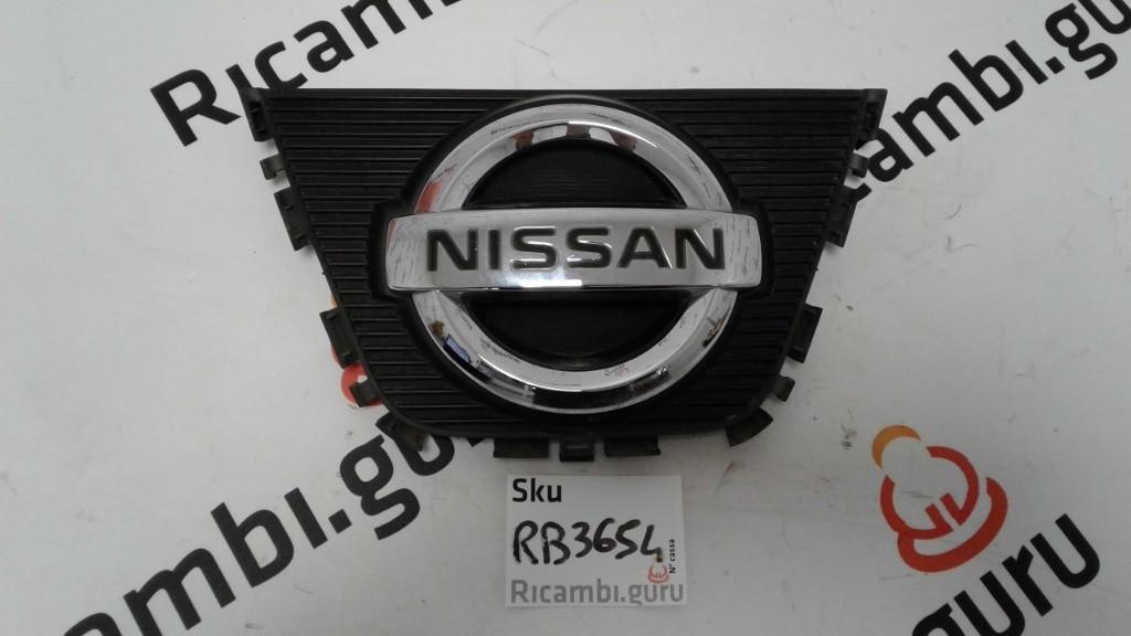 Emblema Anteriore Nissan qashqai+2