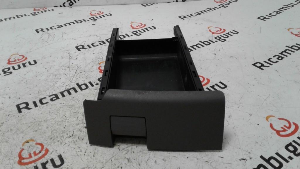 Cassetto portaoggetti Sedile Destro Audi q7