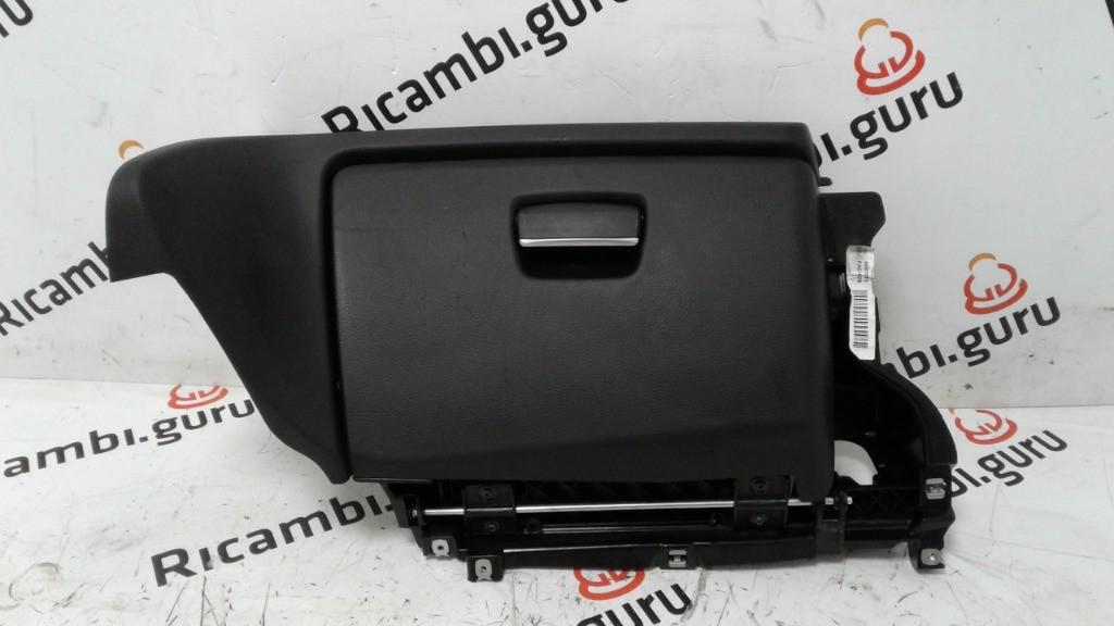 Cassetto portaoggetti Bmw serie 1