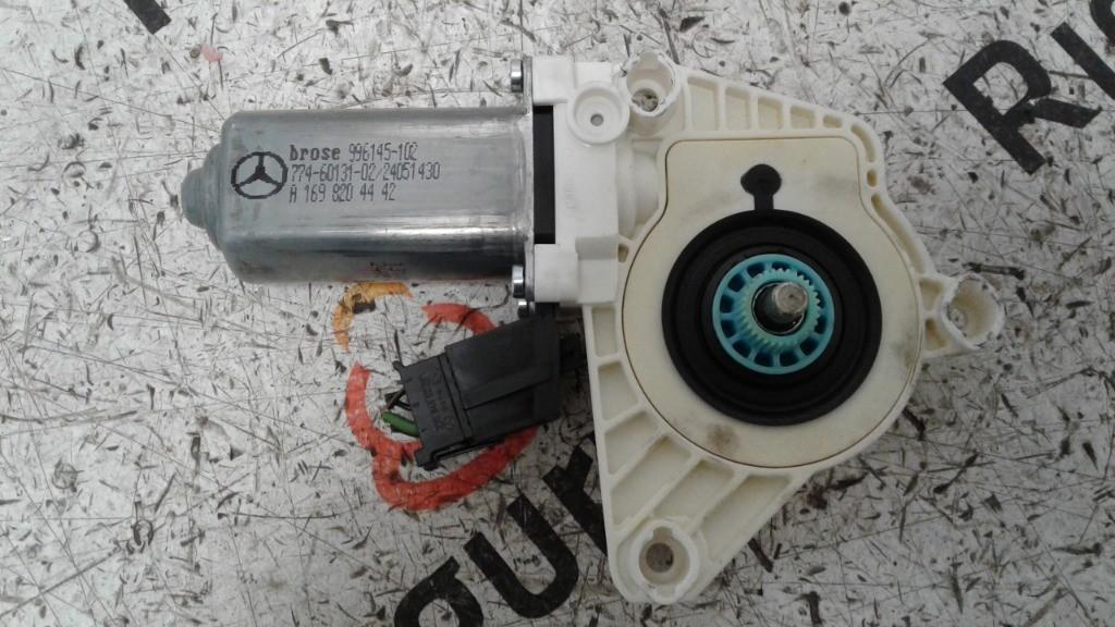 Motorino alzacristallo Anteriore Destro Mercedes classe b